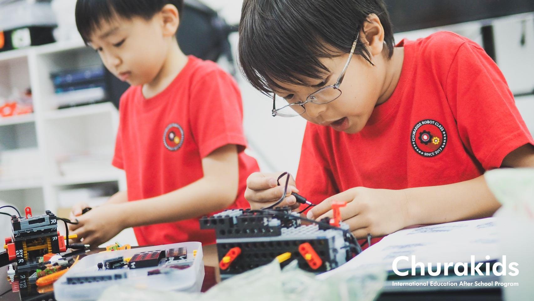 沖縄市の英語ロボット教室 Churakids
